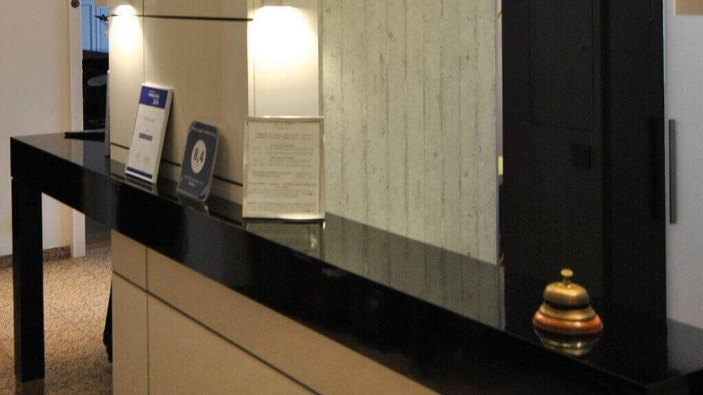 Hotel Cristall Frankfurt Rezeption